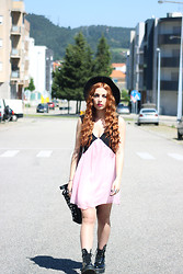 Cátia Gonçalves - Dress Venus, Dr. Martens Chunky Boots, Parfois Black Hat - Not everything that's true needs to be said