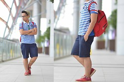 Nabz D - Shorts, Herschel Bag - Blue Stripes ( nabztravel.weebly.com )
