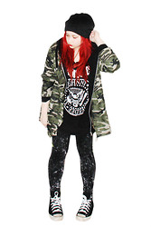 Jade Narcelles - Ramones Shirt, Camo Jacket, Converse Chucks - Cuts Marked In The March Of Men