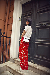 Daria Cimoroni - Vintage T Shirt, Vintage Trousers, Oz Shoes White Yeti Wedges, Tl 180 Mini Zip - QUICK STOP