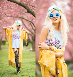 Rachel Lynch - Aloha Tee, Jac Vanek Sun Child Kimono, Jeffrey Campbell Leather Thigh High Boots - Aloha Flower Child