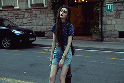 Violet Ell - Topshop Denim Backpack, American Apparel Shirt, Casio Watch, Thrift Store Shorts - --.07.2013