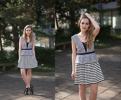 Fashiongamble . -  - BCBG Stripes
