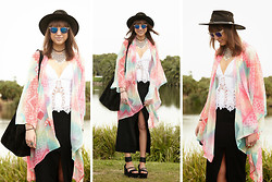 Annabel Wendt - Nasty Gal Back In The Saddle Top, Nasty Gal Rainbow Flow Kimono, Nasty Gal Just Enough Midi Skirt, Shoe Cult Cross The Line Flatform - Paddle Pop