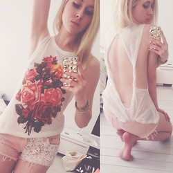 Rinka Essel - Forever 21 Flower Shirt, Forever 21 Pink Shorts - Flower frills