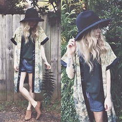 Mary Ellen Skye - H&M Kimono, Topshop Top, Free People Hat, Forever 21 Shorts - Caribbean dreams