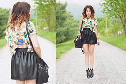 Jenny Fogus - Forever 21 Paradise Crop Top, Pacsun Leather High Rise Skirt, Expressions Nyc Black And Gold Bag, Nollie Bandue, Forever 21 Black And Gold Sandals - I.... think about you everday