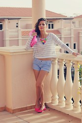 Susanna Vesna - United Colors Of Benetton Cropped Top, Ted Baker Pink Clutch, Sheinside Neon Necklace, United Colors Of Benetton Stripped Stretchable Shorts, United Colors Of Benetton Hot Pink Flats - Heat Rolls In