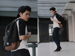 Mon Cruz - Herschel Black/Tan Heritage Backpack, Amblvd Plain Basball Shirt, Dark Denim Pants - Junior year