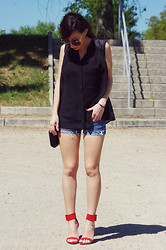 Miriam - Vila Black Shirt, Primark Short Jean, Zara Red Sandals - Summery Day