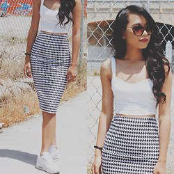 Indah Amelia - American Apparel Midi Skirt, Nike Airmax - Shoes speak louder than words