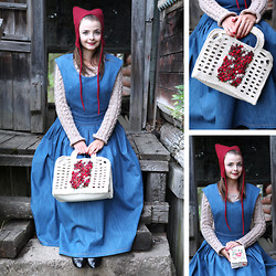 Tatiana Bezgodova - Tanya Tur Dress, Tanya Tur Bag, Holywool Hat, Tanya Tur Sweater - Little Red Riding Hood