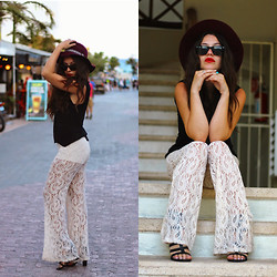 Natalie C - Urban Outfitters Staring At Stars Paisley Bells, Urban Og Strappy Sandals, H&M Hat, Ray Ban Wayfarers - Calle 28