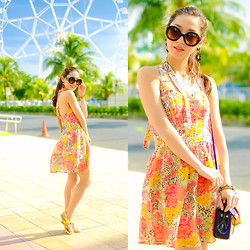 Kryz Uy - Guess? Dress - Around the World