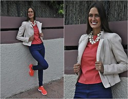 Amina Allam - Zara Jacket, Choies Pearl Necklace, Zara Top, Zara High Waist Jeans, Nike Sneakers - Casual chic in sneakers