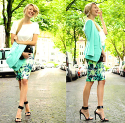 Leonie Hanne - Asos Mint Blazer, Asos Tropical Skirt, Asos Cropped Top, Zara High Heels, Zara Mini Bag - Ohh Tropical Mint