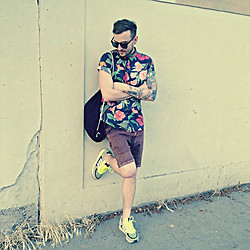 Adam Kapoun - Komono The Riviera, Pull & Bear Shirt, Reell Dnm Denim Shorts, Adidas Zx850 - Name it