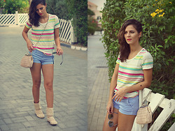 Susanna Vesna - United Colors Of Benetton Colourful Striped Tshirt, United Colors Of Benetton Striped Shorts, Marc By Jacobs Sunglasses, United Colors Of Benetton Vintage Style Bag, From Ukraine Crochet Boots, Mac Impassionate Lipstick - Summer Stories