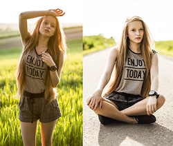 Katarzyna P - 6ks T Shirt, 6ks Shorts, Vans Sneakers - ENJOY TODAY