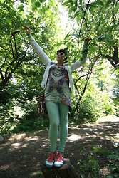 Tatjana Dmitrovic Drljan - Asos Tunik, H&M Tights, Replay Jacket, Onitsuka Tigers Sneakers, Orsay Bag, Asos Sunglasses - Butterfly