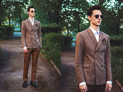 Vladimir Kachesov - Asos Sunglasses, Tailor4less Shirt, Zara Blazer, Ted Baker Handkerchief, Zara Pants - Tailor4Less