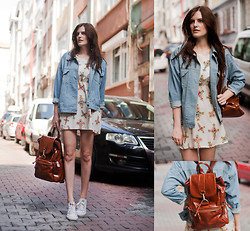 Viktoriya Sener - Wholesale7 Denim Jacket, Wholesale7 Dress, Yargici Backpack, Converse Trainers - CRISS CROSS
