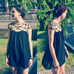 Laura Medina - Sheinside Black Dress - Blackie♥