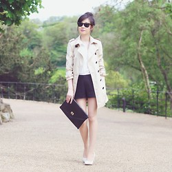 Temp Sec - Antonio Croce Coat, Noths Clutch Bag - Beige Trench Coat