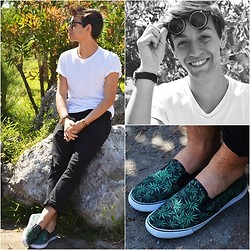 Marco Santoro -  - Black&White and.. marijuana slip-on!