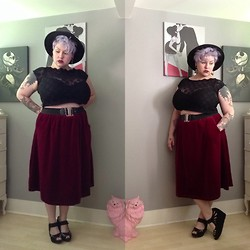 Margot Meanie - The Curvy Elle Velvet Midi Skirt, Bamboo Platform Wedges, Forever 21 Wide Brim Pork Pie Hat - // elle //