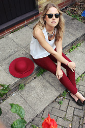 Lovisa - Lf Sheer Open Back Tank Top, Ray Ban Clubmaster Sunglasses, Zara Jeggings, Urbiana Uk Fedora Hat, Topshop Studded Slippers, Urbiana Uk Silver Wedge Aztec Necklace - Bright Colors and Bright Jewelry