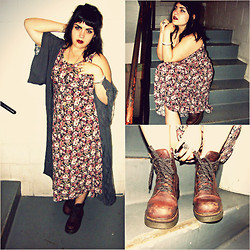 Taylor Morgan - Band Of Gypsies Grey Kimono Cape, Vintage Floral Dress, Doc Marten Classic Leather Boot - Only Happy When It Rains