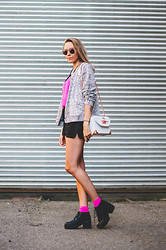 Martina M. - Monki Jacket, Angelica Blick For Bikbok Bag, Vagabond Boots, Spitfire Sunglasses, Bikbok Shorts - Popping that Pink!