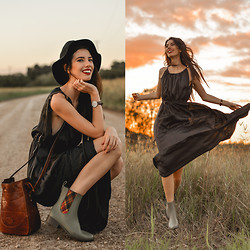 Elle-May Leckenby - Sheinside Black Spaghetti Strap Drawstring Pleated Dress, Vw Riding Boots - On the way to the river