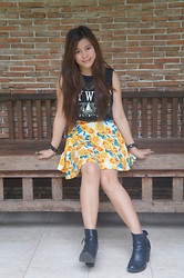 Gian Carla Tolentino - Theroveshop Sunflower Skirt, H&M Boots, Vintage Diy Top - Sunflowers x Grunge