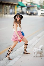 Daniela Ramirez - Rebecca Minkoff Bag, Prima Donna Gladiator Sandals - Smart Shopping. ..
