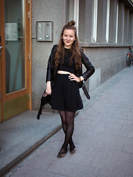 Ida 365 - Asos Dress, H&M Leather Jacket - It's ok to show your tummy