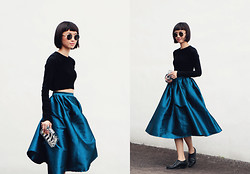 Uli C - Zara Ribbed Crop Jumpet, Ulimali Shop Organza Full Midi Skirt, Asos Pointed Leather Flats, Zara Lucite Clear Clutch - Sapphire