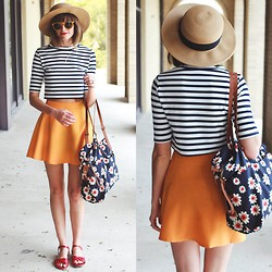 Steffy Degreff - Forever 21 Hat, Forever 21 Bag, Zerouv Sunnies - Stripes & florals.
