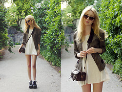 Shelley Mulshine - Vintage Blazer, American Apparel Babydoll Dress, Vintage Purse, Vintage Sunglasses, Shoes - SYRINGA VULGARIS