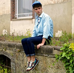 "Matthias C. - Mr. Gugu & Miss Go Peacock Feather Cap, Selected Homme Turquoise Shirt, Jeans, French Trotters For Le Coq Sportif Vintage Sneakers - ""Cristatus"""