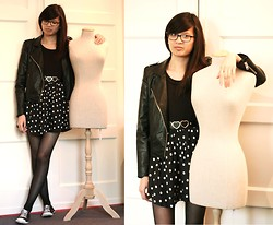 Tram N. -  - Casual outfit. Black, leather and dots.