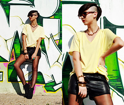 Ema Roxanne - New Yorker Shorts, Pimkie Boots, H&M Necklance, Tally Weijl T Shirt, Stradivarius Bracelets, H&M Ring, Sunglasses - Kings and Queens