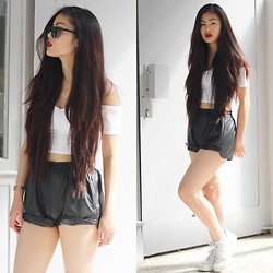 Mimi H. - Oasap Leather Shorts, Nike Air Force, Asos Crop Top - SUNNY WEATHER