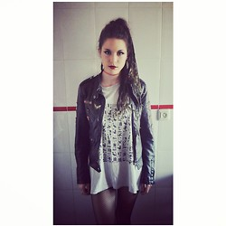 Laura Medina - Vintage Egiptian Tshirt, Zara Leather Jacket - Dreads