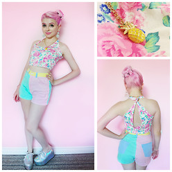 Jillian Vessey - Forever 21 Floral Crop Top, American Apparel Pastel Multicolour High Waisted Shorts, Forever 21 Mint Dangle Jewel Earrings, Ego And Greed Holographic Flatforms, Forever 21 Pineapple Necklace, Nerdy Little Secrets Floral And Spike Bun Ring - .✿ BUBBLE POP ELECTRIC ✿.