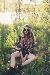 Jessy Gosselin - H&M John Lennon Sunglasses, Blackfive Floral Print Vest, Forever 21 Black High Waisted Shorts, Dr. Martens Black - Wild child