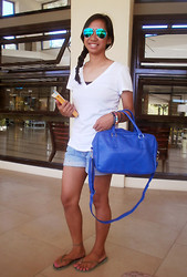 Aileen A. - Fly Shades Flash Lens, Forever 21 Plain White Tee, National Book Store Shopaholic & Sister, Random Bracelets, Parisian Blue Handbag, Ripped Denim Shorts, Havaianas Flip Flops - Don't Worry, Be Happy