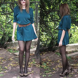 Meli P. - Vintage Dress, Leopard Mary Janes, Black Sheer Tights - Slouchy Blue Green Dress