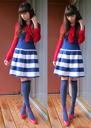Danielle E. - Forever 21 Red Chiffon Blouse, Forever 21 Navy And White Dress, Metamorphose Temps De Fille Marine Socks, Wet Seal Patent Red Heels - Scratch on the Heart